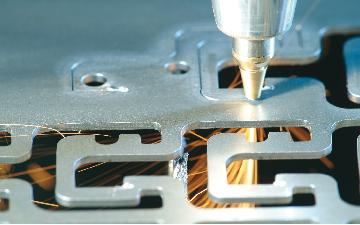 Laser cutting of high alloyed steel with nitrogen (N2)