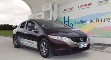 The first public H2 fuelling station opened in autumn 2011 in the town of Swindon, to the west of London. The H2 project was executed by Linde Group member BOC in collaboration with car maker Honda and local economic development company Forward Swindon.